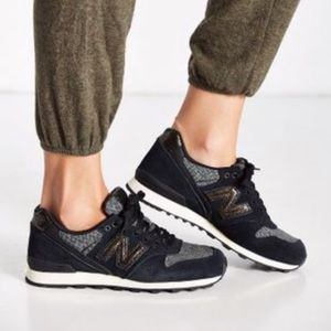 New Balance 10 696 Black Luxury Running Shoes